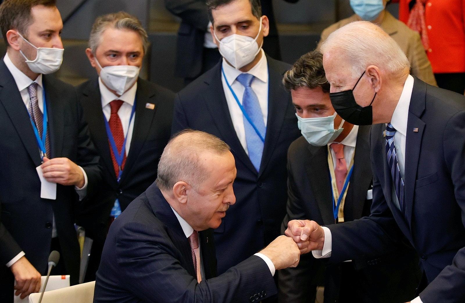 2021/06/cumhurbaskani-erdogan-biden-ile-sohbet-etti-20210614AW34-1.jpg