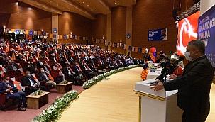 AK Parti'de kongrelere devam