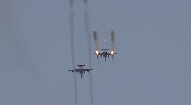 Ermenistan'a ait Su-25 savaş uçağını düşürdü