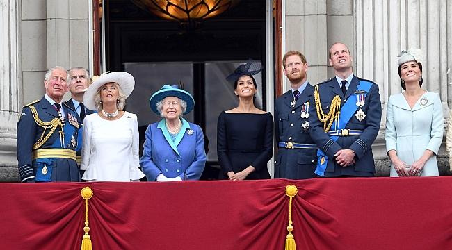 Prens Philip'in cenaze töreninde Kraliçe yalnız oturacak