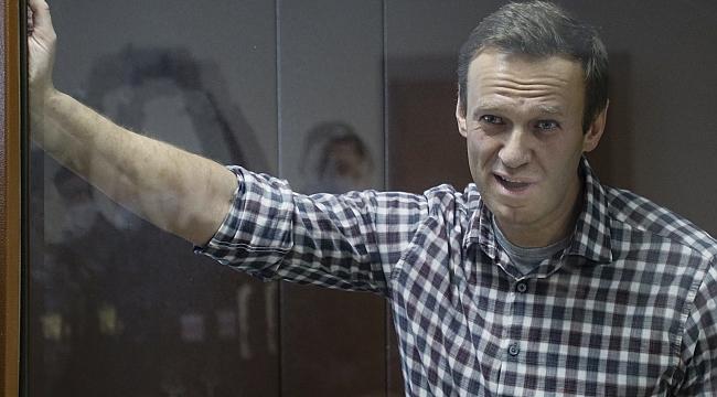 """Rus doktorlar: """"Navalny'nin böbrekleri işlevsiz halde"""""""