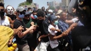 Tunus'ta hükümet karşıtı protesto