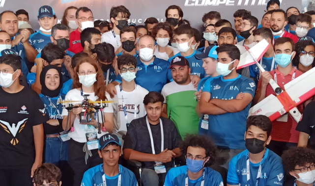 Teknofest kapsamında Uluslararası Liseler İnsansız Hava Aracı Yarışları yapıldı