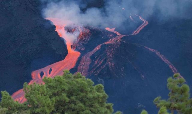 Yanardağ faciasının yaşandığı La Palma'ya yardımlar hızlandırılacak