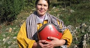 Kayıp Ukraynalı kadın dağcının cesedinin bulunduğu anlar paylaşıldı